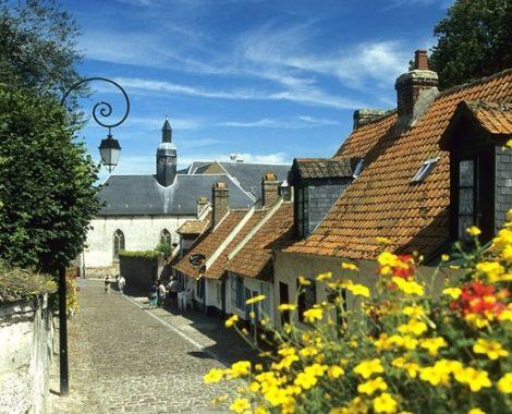 la-rue-du-clape-en-bas-de-montreuil-sur-mer-1961099914-1656522